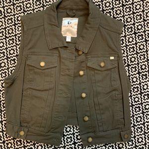 Tops - Hunter crop vest
